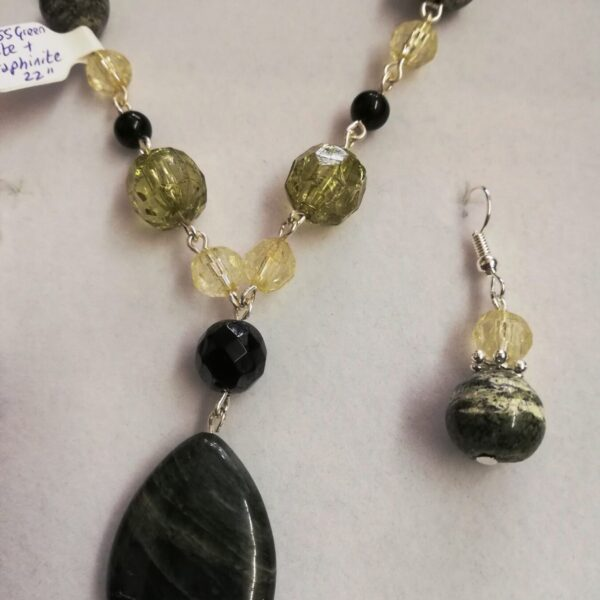 Seraphinitel and Moss Agate bead necklace and earrings gift set